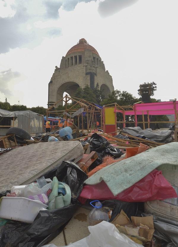 Planton_Monumento_Revolucio769n-3