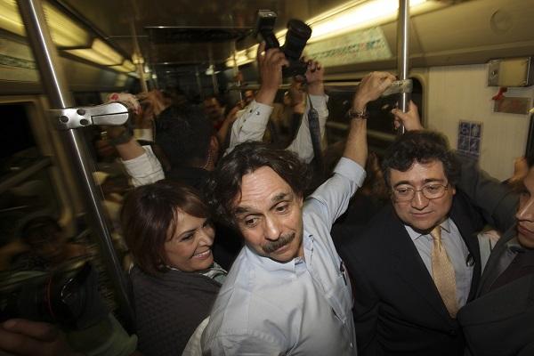 El candidato de Nueva alianza a la presidencia de la República, Gabriel Quadri De La Torre, viajó a Iztapalapa para una reunión con legisladores de su partido. (2012)