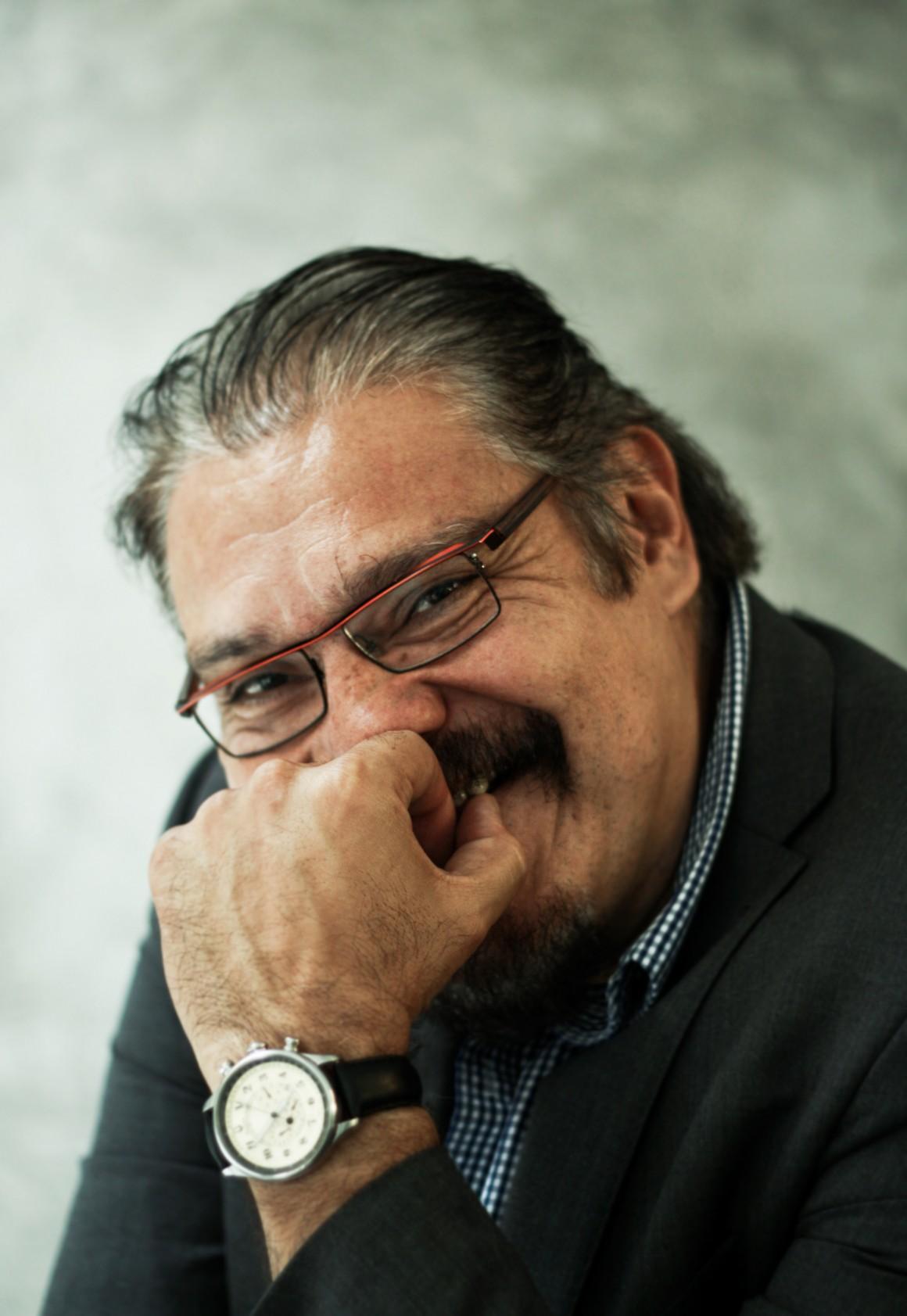 """Joaquín Cosío, el famoso """"Cochiloco"""", fotografiado para sinembargo.mx"""