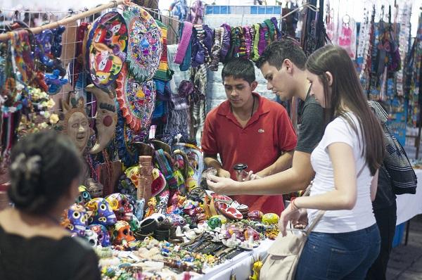Resultado de imagen para Fiesta de las Culturas Indígenas.