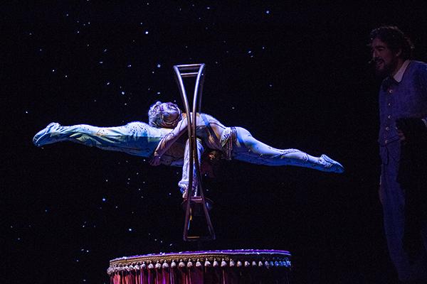 Cirque_Du_Soleil-Corteo-9