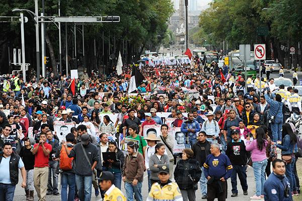 Marcha-Ayotzinapa
