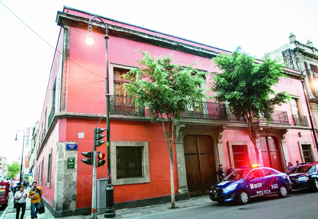 4 CASA # 37 (ANDRES QUINTANA ROO Y LEONORA VICARIO)
