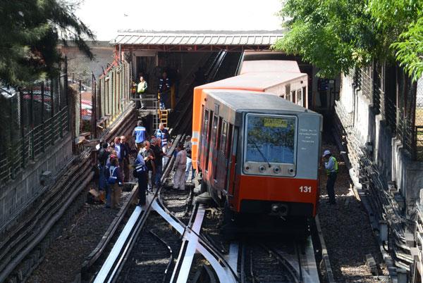 Tren_vagones_descarrilados-1