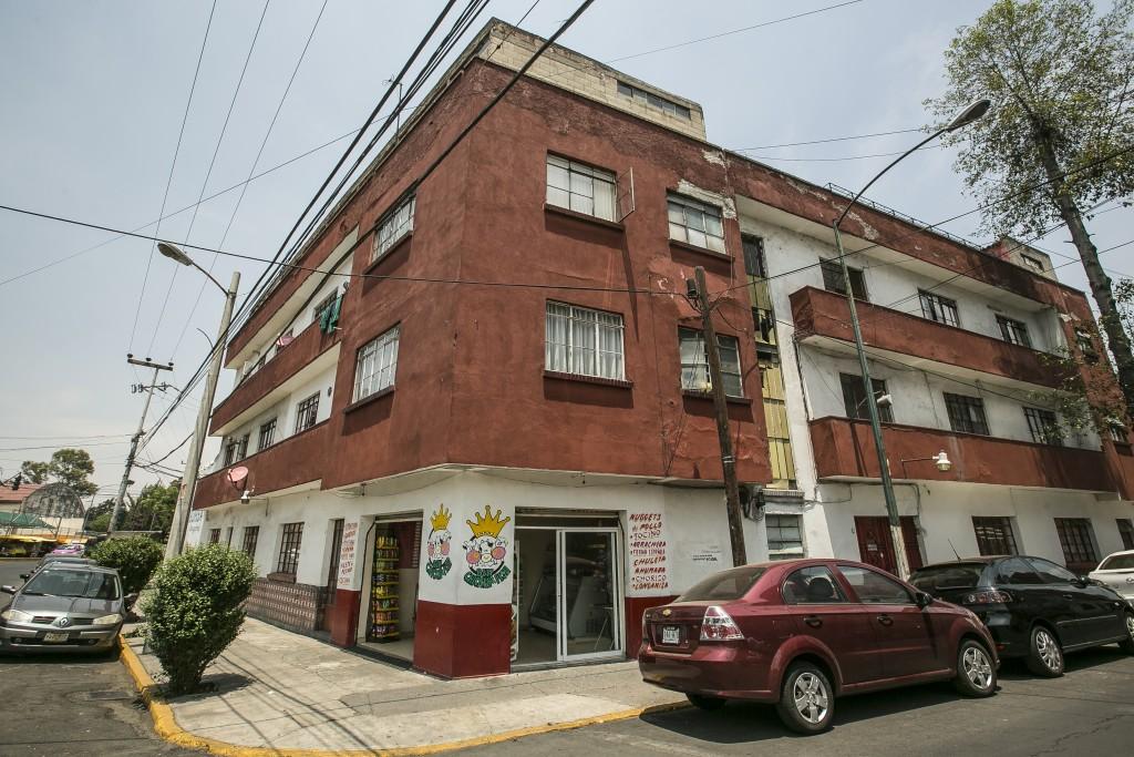 (3) EDIFICIO DE DEPARTAMENTOS MONTIEL 108