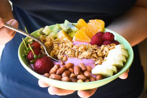 healthy-breakfast-smoothie-bowl