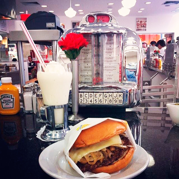 johnny-rockets-ok