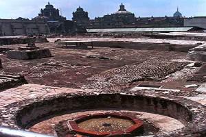 MEXDF23AGO2003.- El 23 de agosto de 1512 cay— la ciudad de Tenochtitl‡n. El ahora museo del templo mayor es uno de los restos del imperio mexica. y se puede visitar a un costado de la catedral metropolitana. FOTO: Iv‡n Stephens/CUARTOSCURO.COM