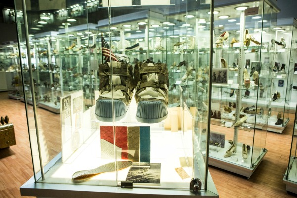 Las rarezas del Museo del Calzado - Máspormás 3d13ec423571