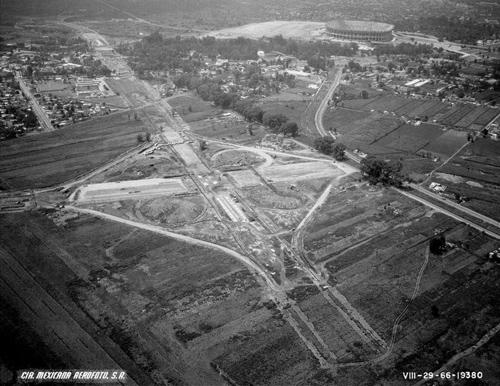 Estadio-Azteca-1966,-Ica-