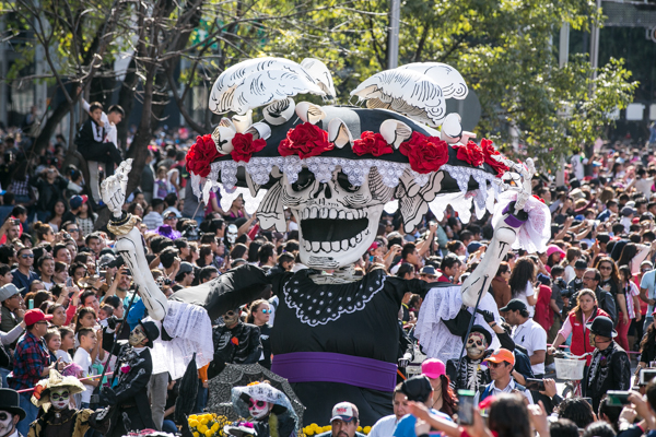 Desfile De Día De Muertos 2017 Carros Alegóricos Catrinas Y Calaveras