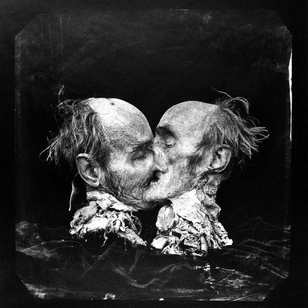El Beso-Peter Witkin
