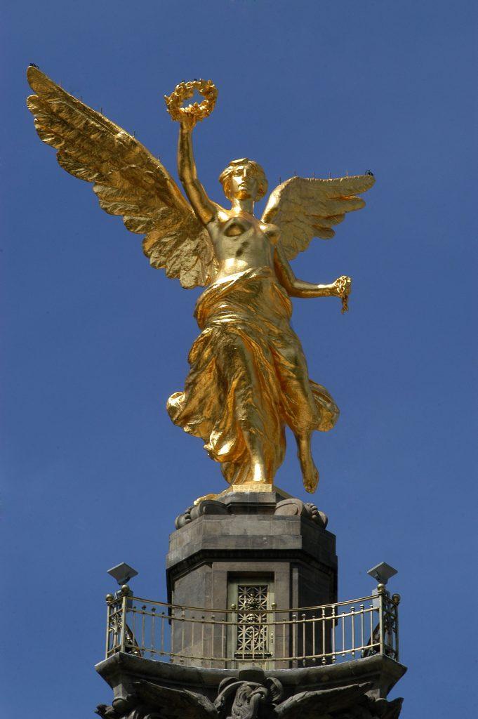 MEXICO D.F. 15SEPTIEMBRE2006.- Fue reinaugurada el Šngel de la independencia, despues de un trabajo de restauraci—n integragal para la conmemoraci—n del tercer centenario de la independencia.  FOTO: GERMçN ROMERO/CUARTOSCURO.COM