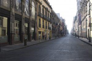 MÉXICO, D.F., 01ENERO2012.- Vista de la calle Isabel la Católica del Centro Histórico que amanecio vacía. FOTO: IVÁN STEPHENS/CUARTOSCURO.COM