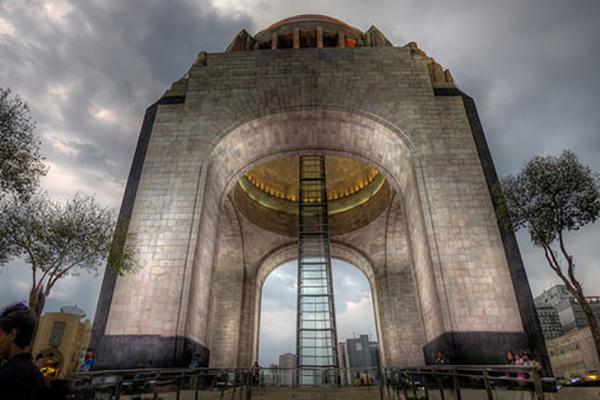 museo-y-monumento-a-la-revolucion