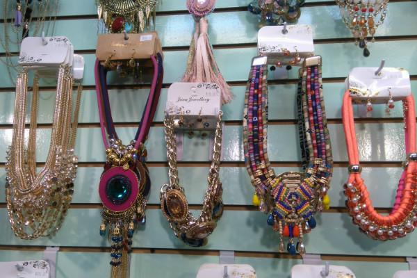 f0e5d086417f La calle donde venden joyas en el centro de la Ciudad de México