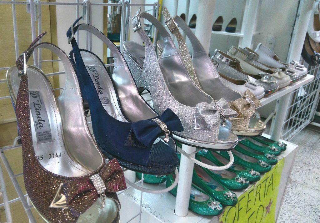 Zapatos El México Ubicado En La Mercado De Ciudad JTK1lcF