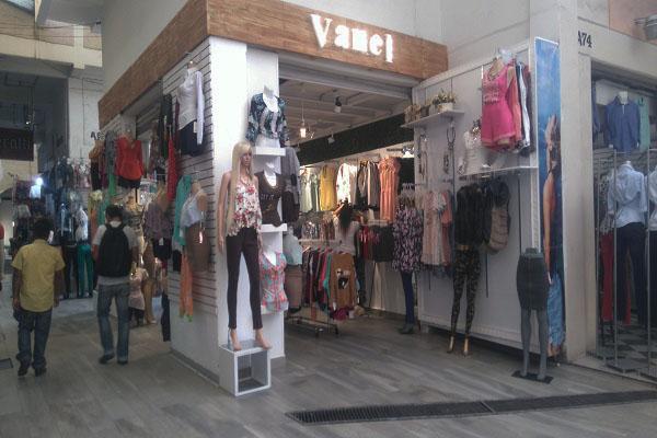 7119f61b174c Las calles del Centro Histórico donde venden ropa barata - Máspormás