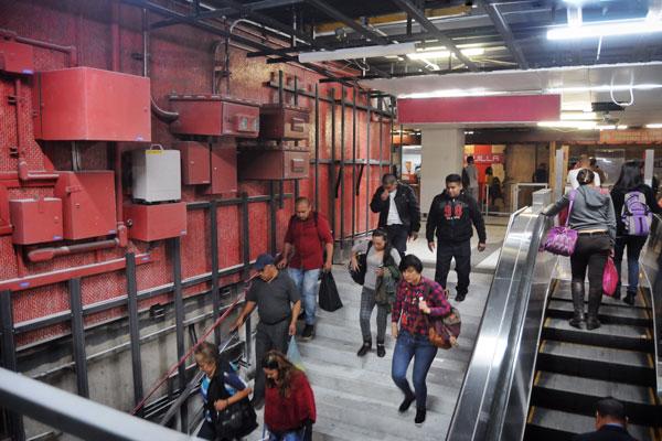 Sobrevivir en el metro es una gran reto chilango