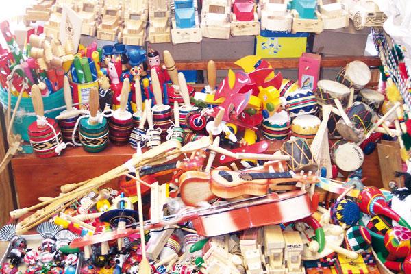 En la Ciudadela puedes comprar juguetes artesanales