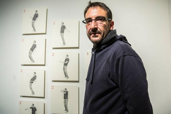 Iván Trueta es un artista visual que expone sus dibujos en el Museo de Arte Carrillo Gil