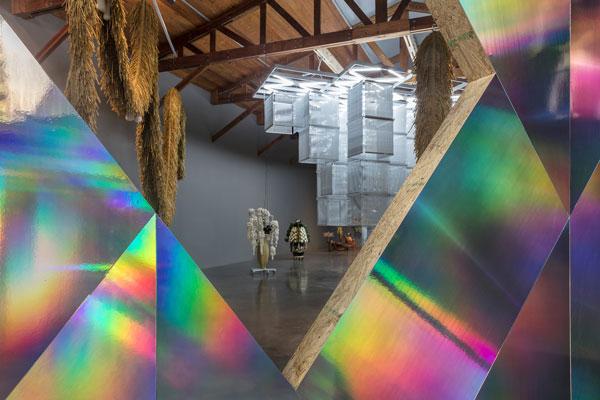 """La artista coreana Haegue Yang presenta la exposición """"Ornamento y Abstracción"""""""