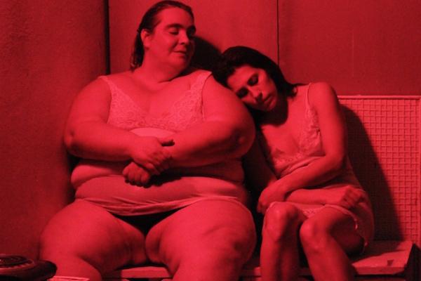 """Mayté Valencia escribe hoy sobre la obra """"Lo único que necesita una gran actriz es una gran obra y las ganas de triunfar"""" que se presenta en el Centro Cultural del Bosque"""