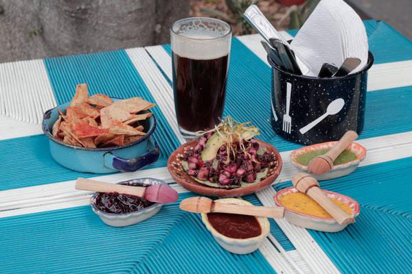 Acompaña a tu aguachile de La Guapachosa con una salsa de sabor único