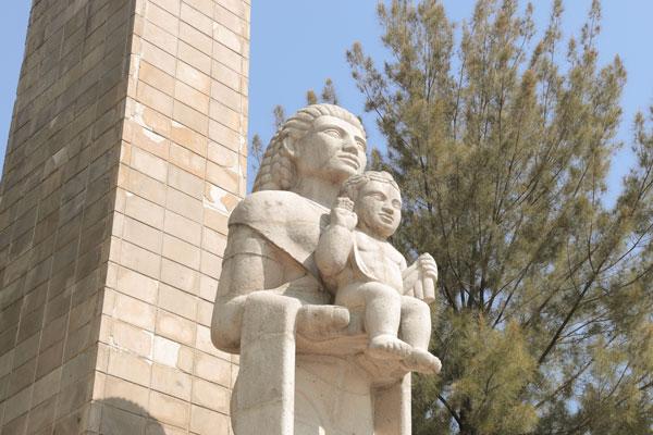 El Monumento a la Madre se hizo como una iniciativa de José Vasconcelos y un fundador de Excélsior
