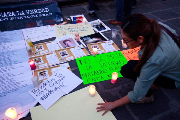 Nacho Lozano escribe lo que debe hacer para callar periodistas