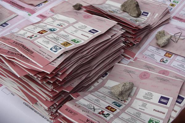 Se lleva a cabo el cierre de casillas, después de la jornada electoral en el Estado de México, para elegir Gobernador/a.