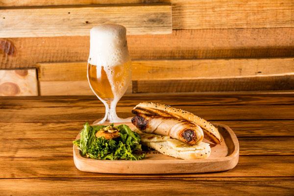 El menú de Wanted cuenta con una gran variedad de cervezas artesanales, de origen nacional e importadas, así como cocteles