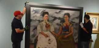 """La pintura """"Las dos Fridas"""" regresó a la Ciudad de México después de ser exhibida en París y Estados Unidos."""