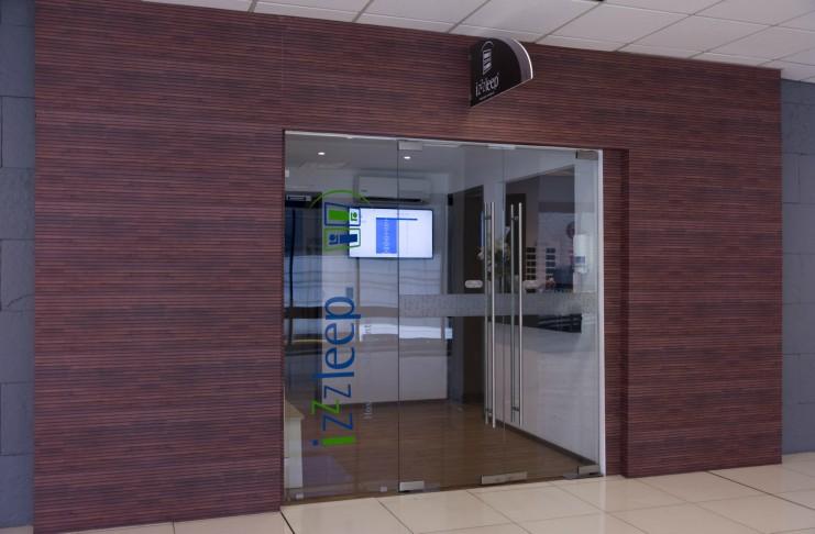 El Aeropuerto de la CDMX estrena 'hotel' futurista