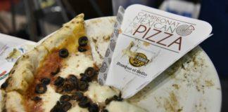 Durante la final del Tercer Campeonato Mexicano de la Pizza los competidores elaboraron tres pizzas en menos de 15 minutos.