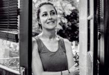 Claudia Sheinbaum levanta la mano