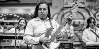 Los Merino Musical tocan salsa sin ver