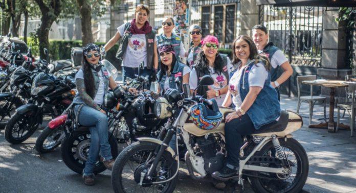 mujeres motociclistas en la cdmx