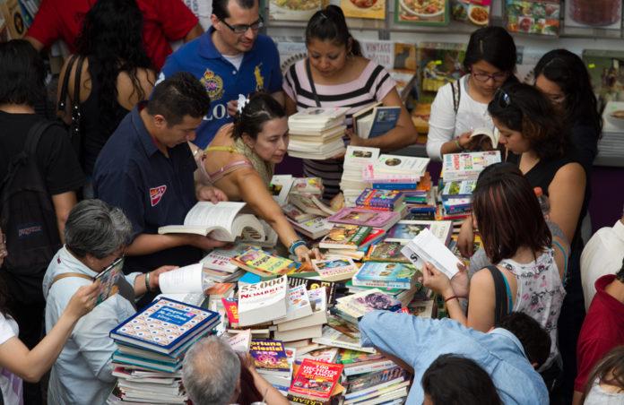 Remate de libros del Auditorio Nacional 2018