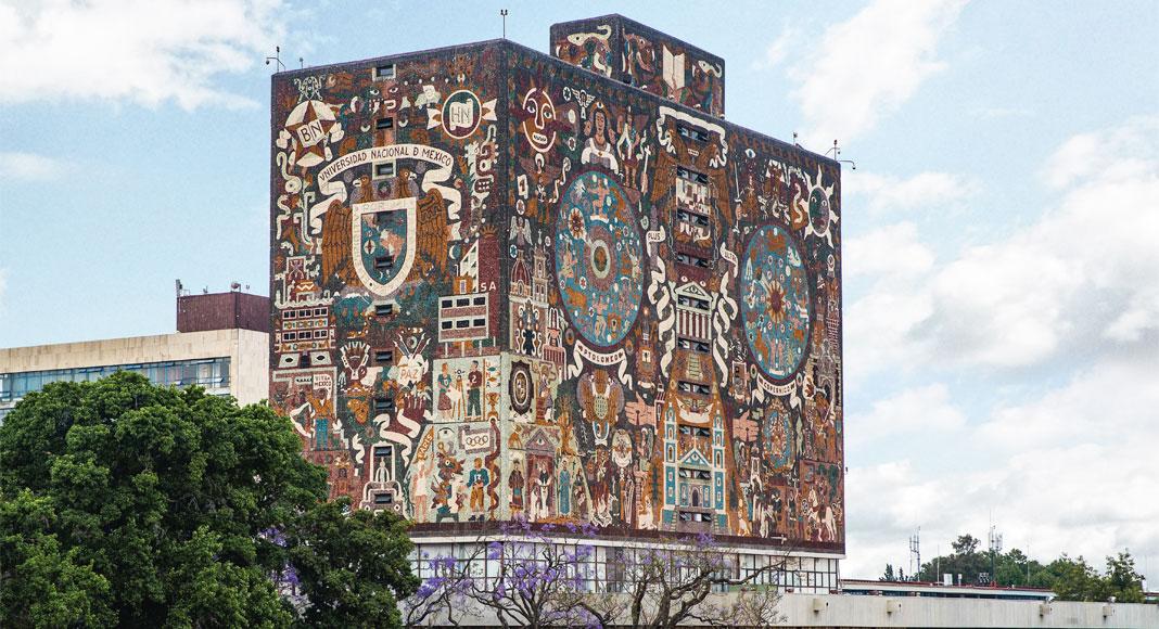 vista de los murales de la unam